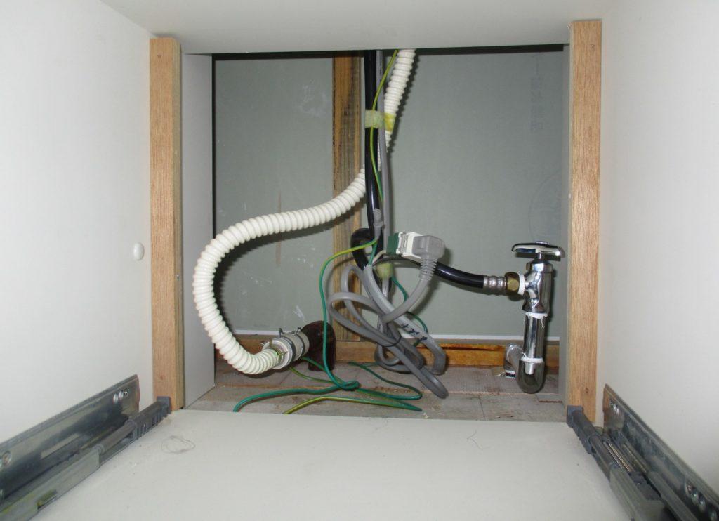 室内の給排水管