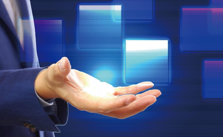営業マンの手とサイバー空間