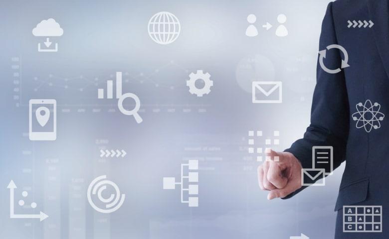 営業マンとWEBの分析ツール(イメージ写真)